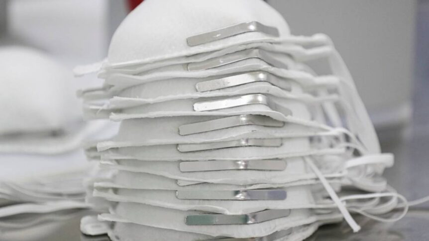 n95 mask Stop using these N95 masks, FDA says. There are 'serious concerns' with their quality AP20142672320097 862x485